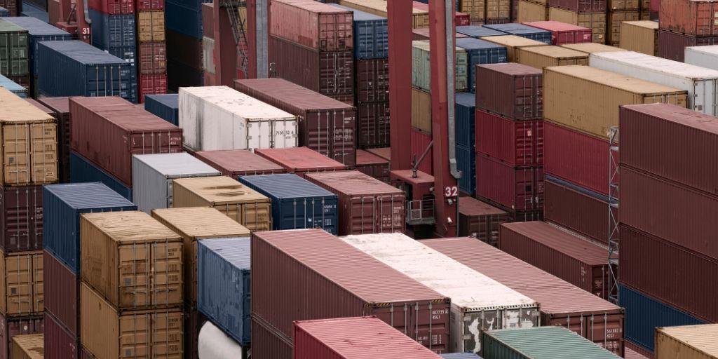 perbedaan import borongan dan resmi
